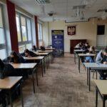Zdjęcie nr 5 podczas testu z języka angielskiego w ramach programu Erasmus+